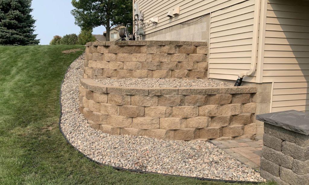 block retaining wall landscaping Albertville MN